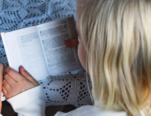 Pyhäkoulu: Jeesus siunaa lapsia